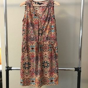 Banana Republic paisley Vneck dress 100% polyester
